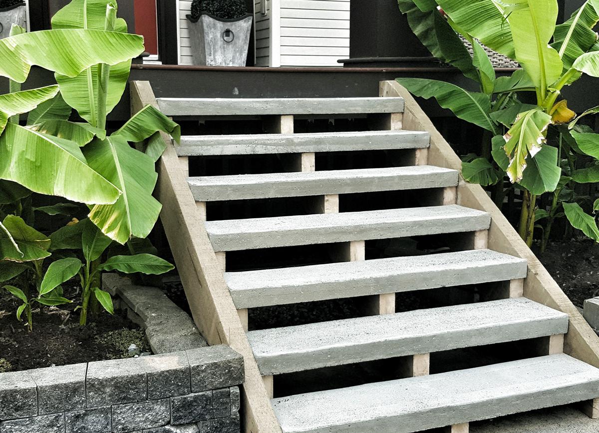 Custom Backyard Wooden Staircase